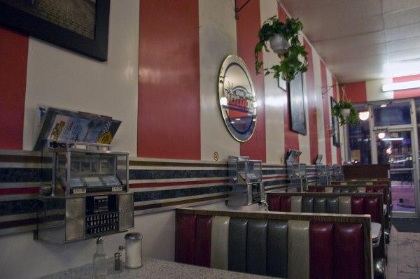 Montreal's last old-school diners