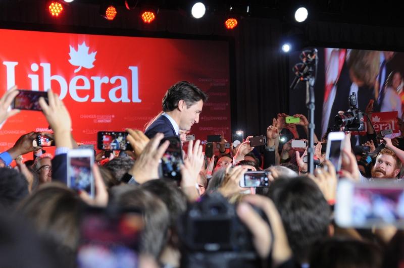 12)PhoneCulture(Trudeau)