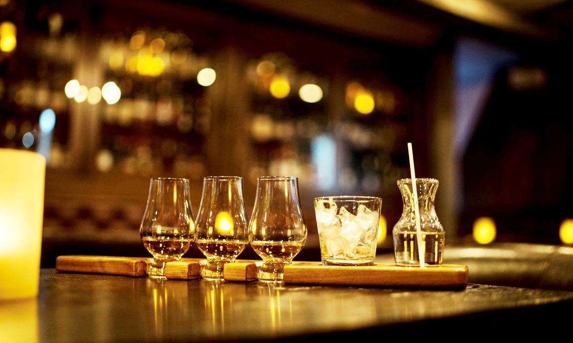 burgundy lion montreal whiskey tastings Sláinte Tuesday