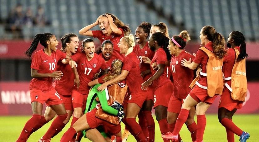gold medal team canada tokyo 2020 women's soccer